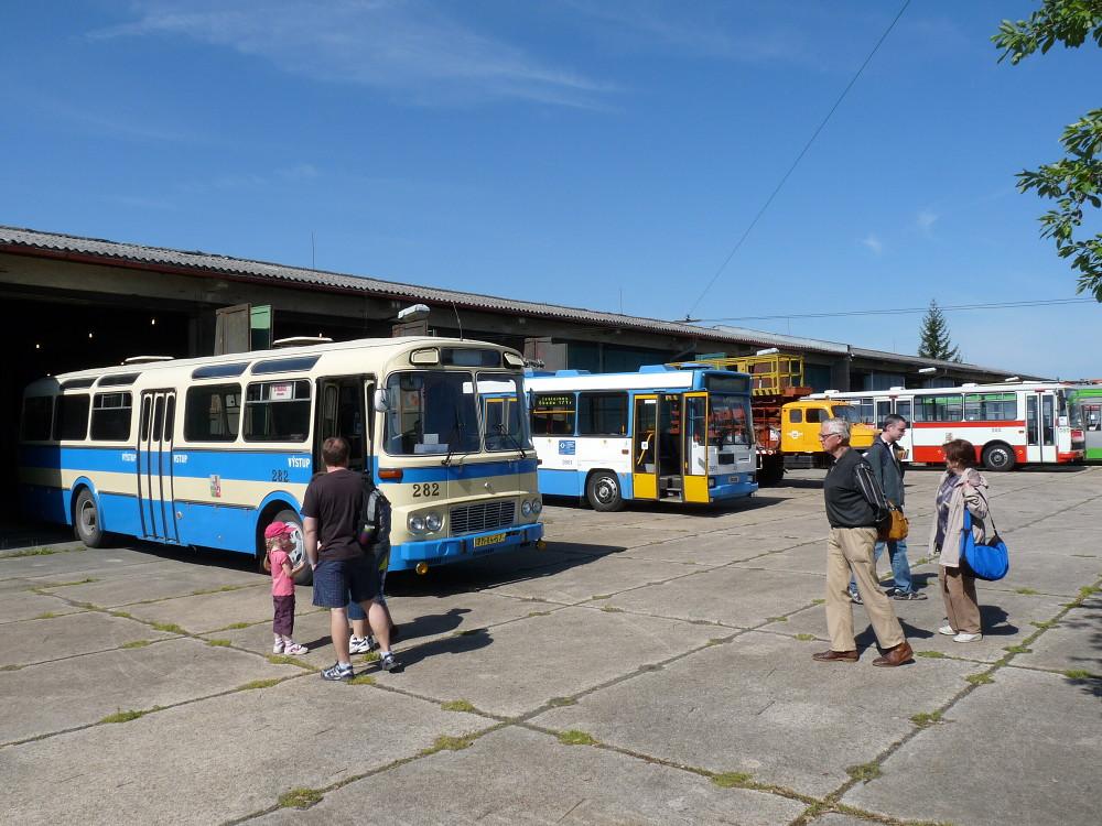 Areál muzea dopravy při prvním jarním dnu otevřených dveří. 19.5.2012, Michal Kouba.