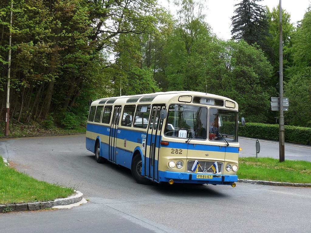 Karosa ŠL 11 zavítala na bývalou trolejbusovou točnu Lesní pramen. 15.5.2016, Michal Kouba.