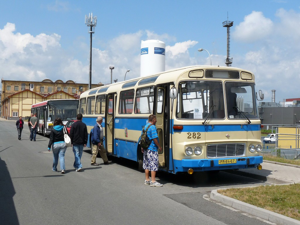 V areálu Škody Transportation byly vystaveny naše vozy Karosa ŠL a Škoda 21 ab. 12.6.2011, Michal Kouba.