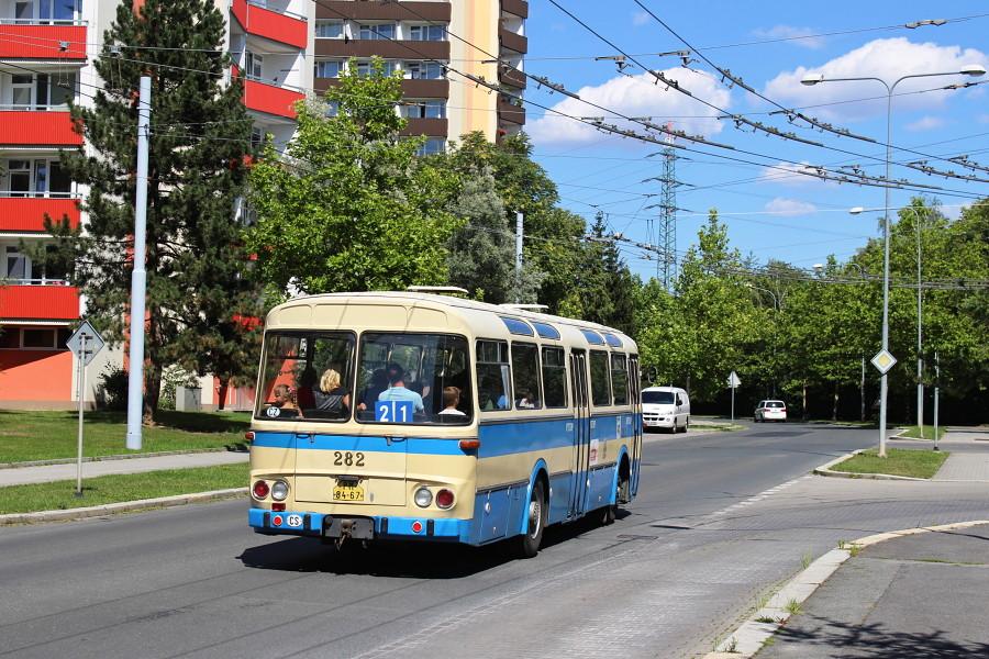Naplánovaný okruh autobusu připomínal dřívější trasu linky 21 do Radobyčic. 19.7.2018, Karel Šimána